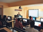 Bilgisayar Dersi Verilir
